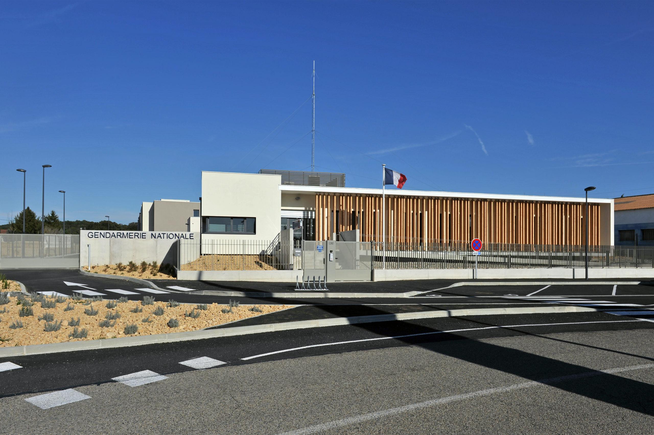 Habillage de façade gendarmerie de Bollène