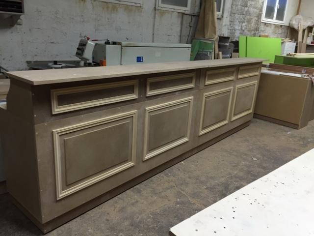 Bar en bois à peindre