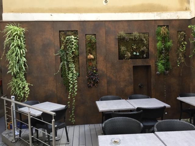 Habillage mural bois imitation acier corten